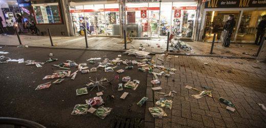 Dozens-of-violent-small-groups-devastated-downtown-Stuttgart
