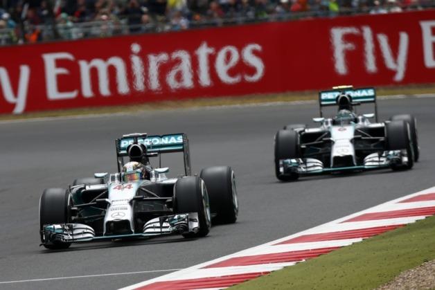 Lewis-Hamilton-Battles-To-German