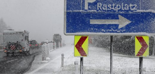heavy snow fall on motorway A 13 in Noesslach near Innsbruck, Austria