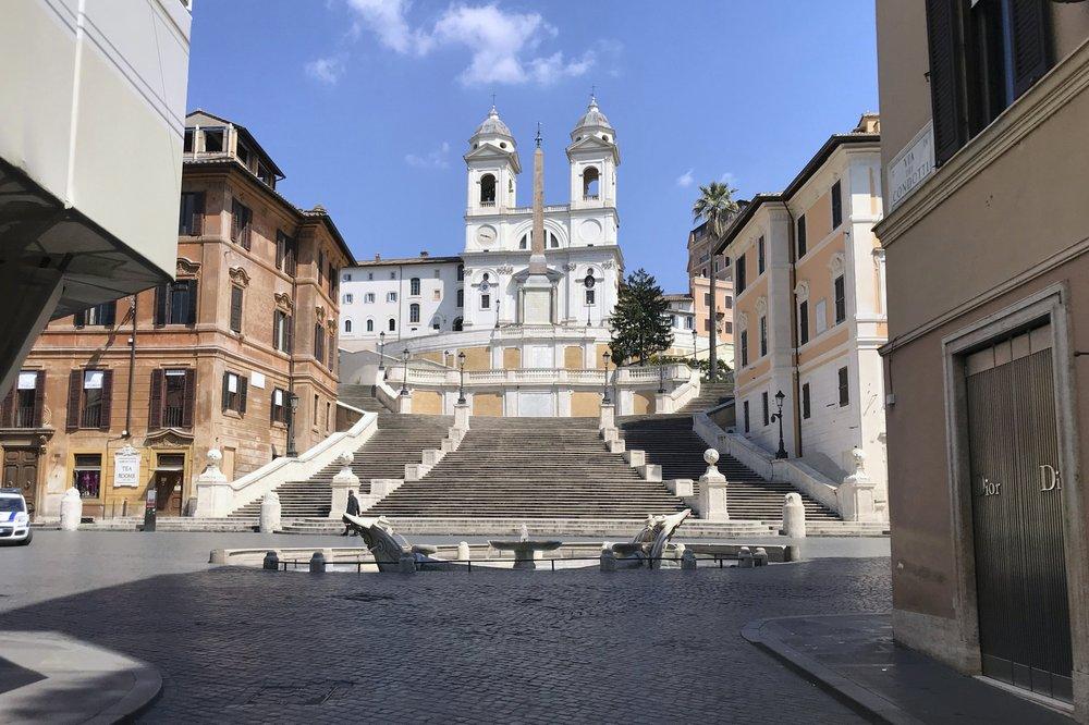 the empty Piazza di Spagna